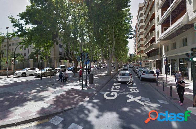 Vendo plaza de garaje en Alfonso X El Sabio. Para coche