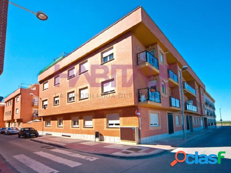 Venta de vivienda de 2 dormitorios, 2 baños y con plaza de