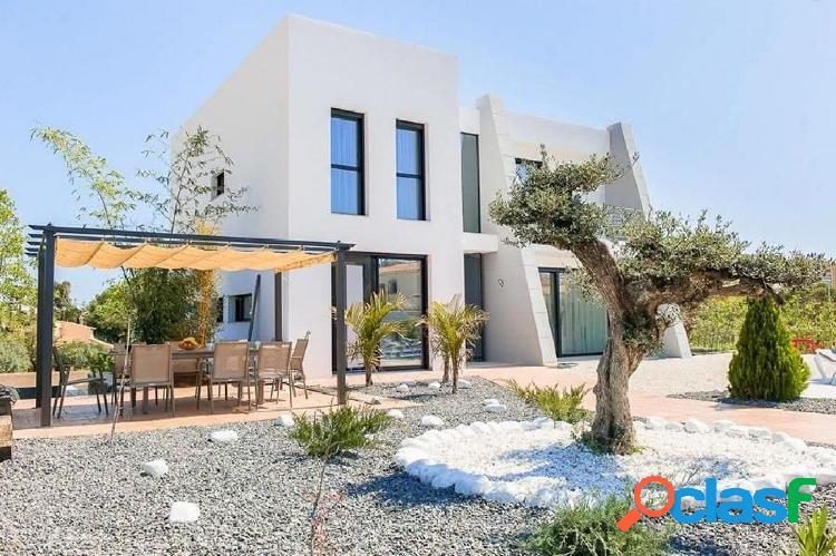 Villa de estilo moderno en venta en Calpe