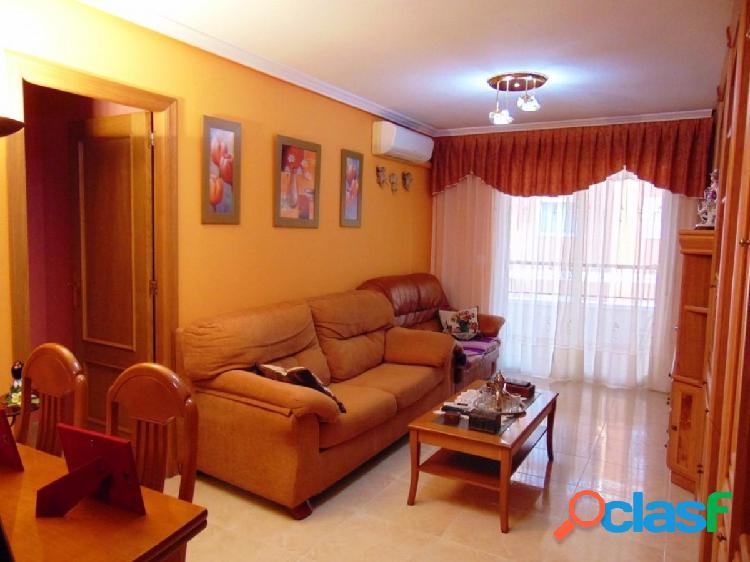 Apartamento en el centro de Torrevieja, 3 dormitorios!