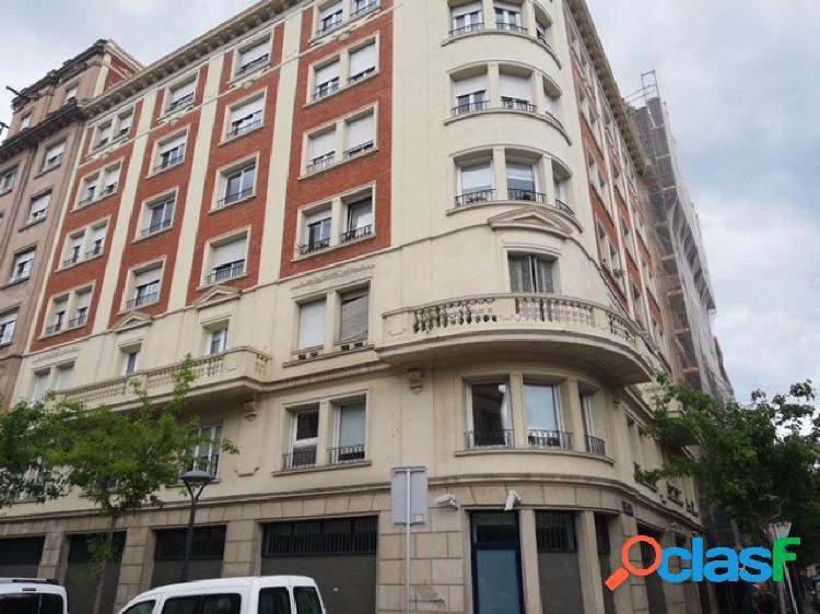 OPORTUNIDAD!! Piso en Calle Antoni Gaudi para REFORMAR