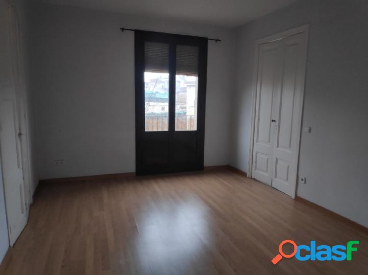 Piso 75 m2 en ronda de Sant Antoni 55
