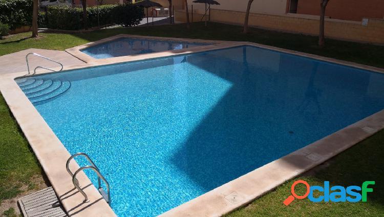 Piso con piscina en PAU 2 de 4 habitaciones