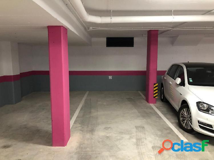 Plaza de parking de alquiler en Carrer Sant Antoni, Sitges