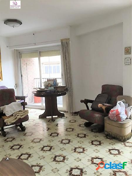 Se vende piso en zona Campoamor, con 74m2 de superficie