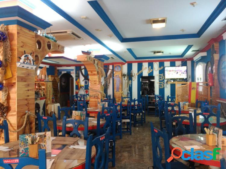 Venta de restaurante por jubilación en Roquetas de Mar.
