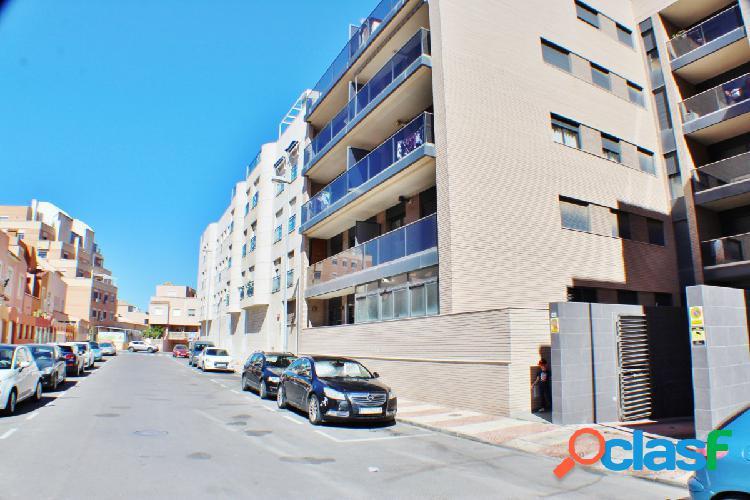Garaje en Roquetas de Mar zona Avenida Juan Carlos.