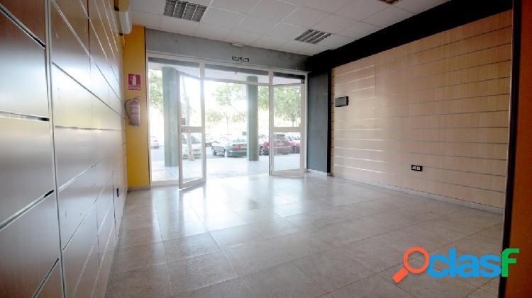 Local REFORMADO en alquiler - zona comercial (Sevilla Este)