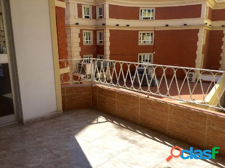 Amplio y luminoso piso en pleno corazón de Malaga