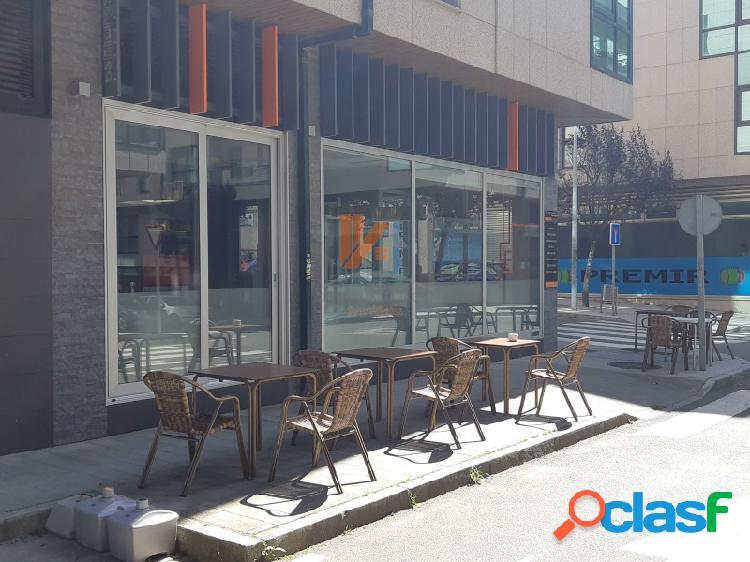 BAR CAFETERÍA EN PLENO RENDIMIENTO EN PONTEPEDRIÑA