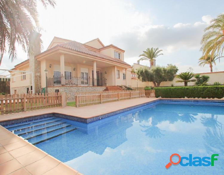 Chalet de lujo con piscina privada en Mil Palmeras, Pilar de