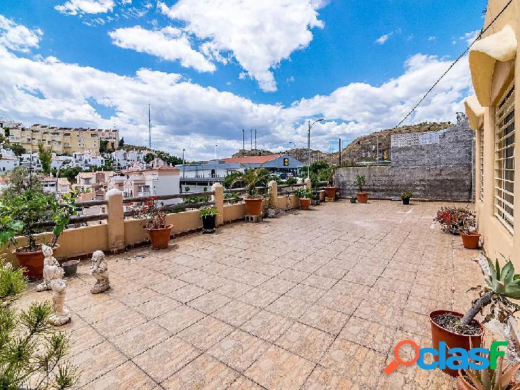 Chalet independiente de 315 m² en Calle Verdial, 29730 Los