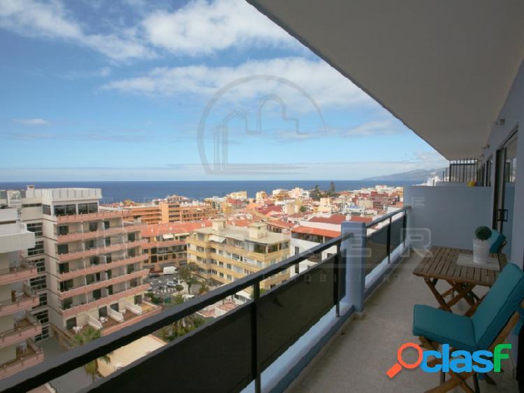 Céntrico y luminoso apartamento reformado con vistas al mar