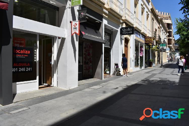 Local comercial en la mejor calle de Almería