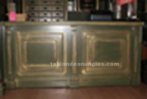 Murales de madera color verde y dorado