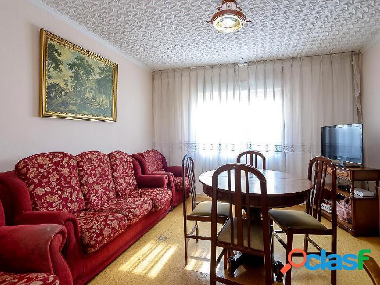 Piso en venta de 112 m² en Calle Cabrilleros, 33213 Gijón