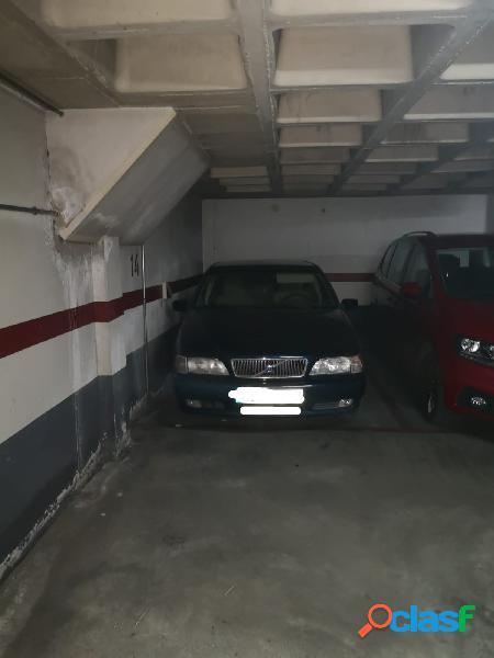 Se alquila plaza de garaje en Los Molinos Del Rio