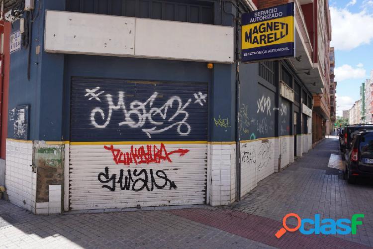 Se vende local en Calle Ávila 19 - Zaragoza