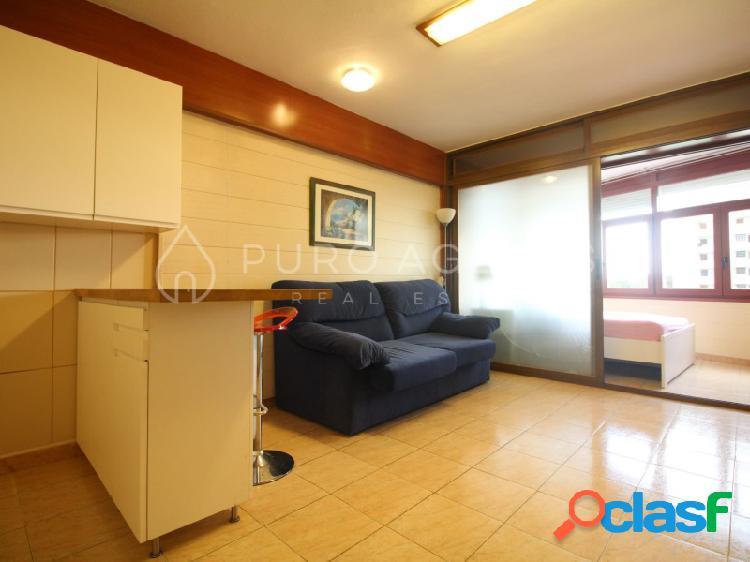 Estudio en alquiler en Cala Mayor, Palma de Mallorca.