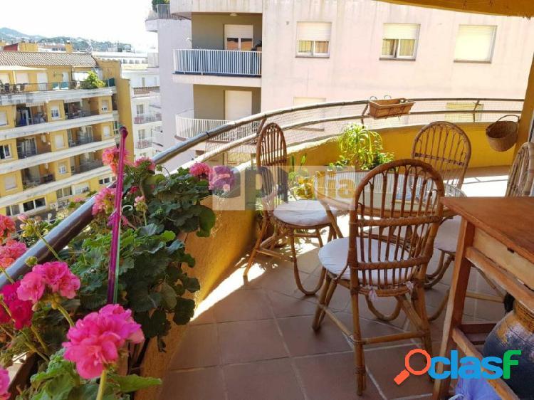 Fantastico apartamento en el centro de Lloret soleado y con