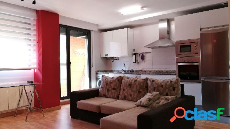 Bonito apartamento en Nuevo Artica, con garaje y trastero