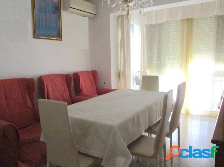 MACARENA- Piso de cuatro dormitorios con reformas