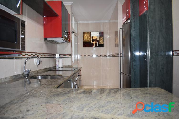 Piso de tres habitaciones en el centro de Santander.