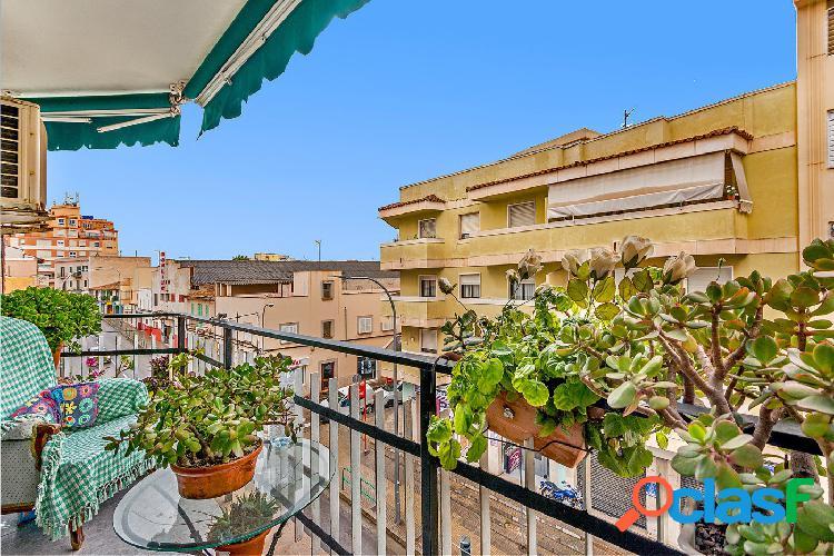 Se vende piso de 3 habitaciones en el Coll d´en Rabassa