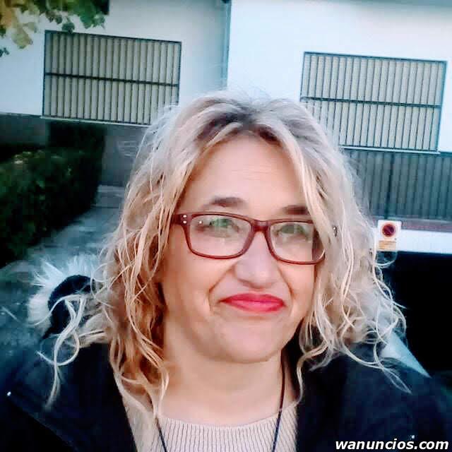 Se ofrece Limpiadora para Empresas - Granada