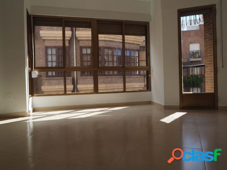 Alquiler exclusivo piso San Pedro