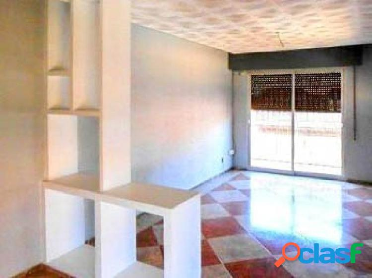 Bonito piso, totalmente reformado, haciendo esquina, situado