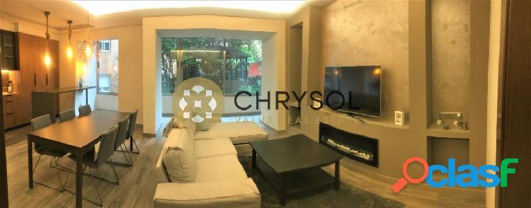 Maravilloso piso recién reformado sito en la calle Santaló