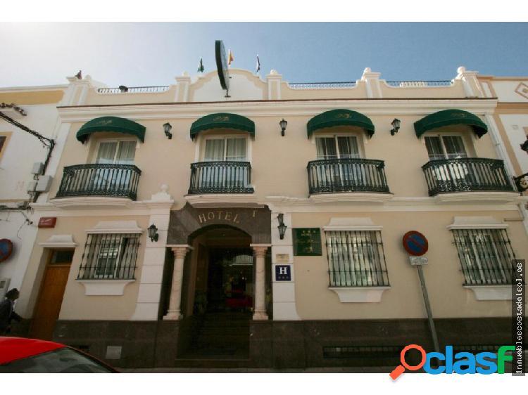Precioso hotel en el corazón de Nerja