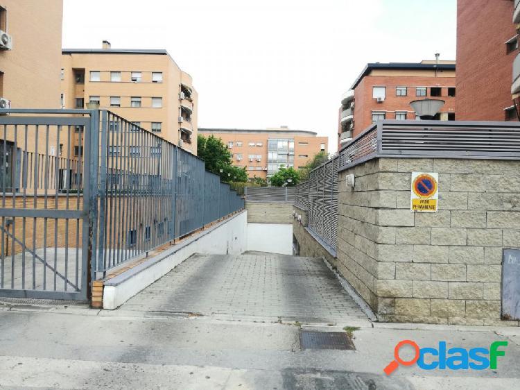 Se vende plaza de garaje en Reina Sofía, 10 m2
