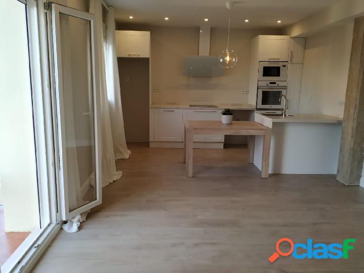 Se vende precioso piso totalmente reformado de diseño.