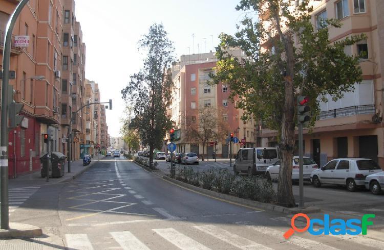 Solar en venta, Barrio Patraix, La Raiosa. Gaspar Aguilar.