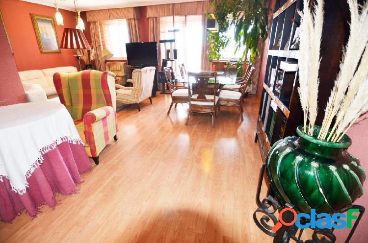 Urbis te ofrece un espectacular piso reformado en Santa
