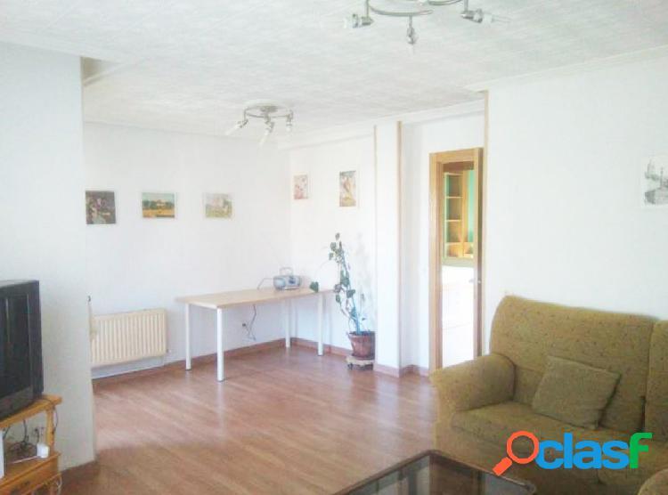 Urbis te ofrece un estupendo piso en venta en zona San