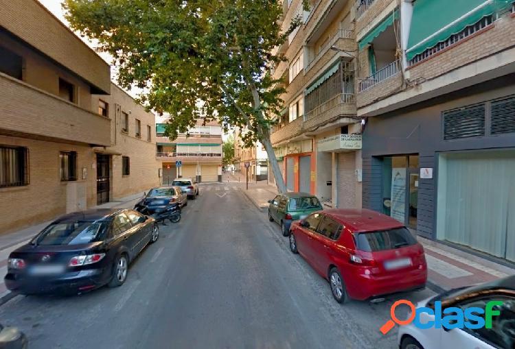 Venta de local en Granada (Zona Trauma)