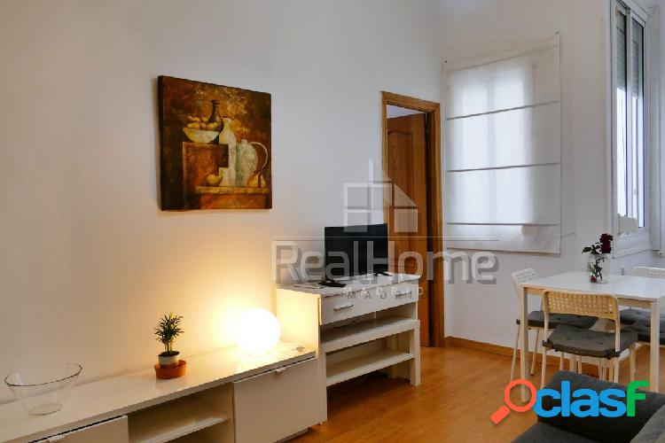 Fantástico piso interior en el barrio de Lavapiés-