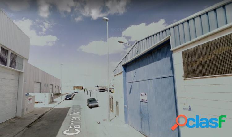 Nave industrial de 360 m2 en polígono de Palmera