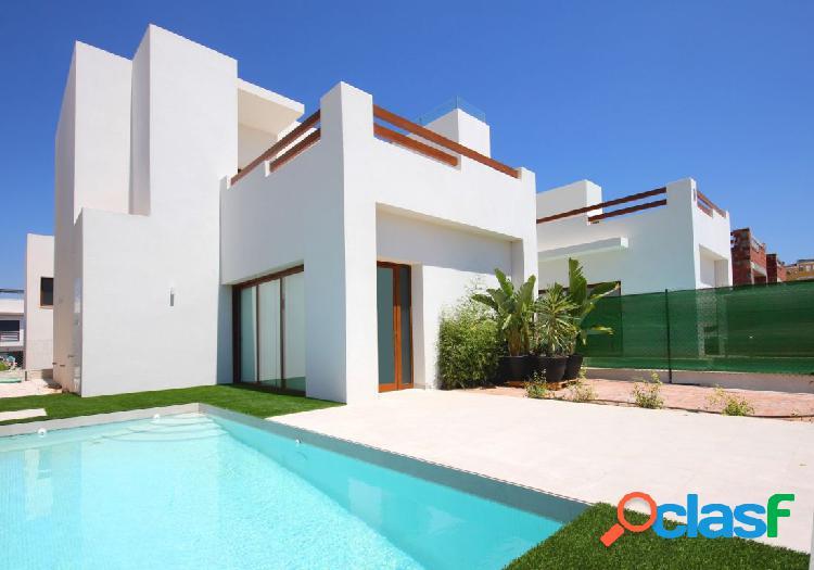 Villas contemporáneas independientes de 3 dormitorios en