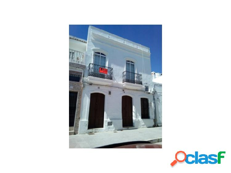 Vivienda adosada en el centro de Ayamonte