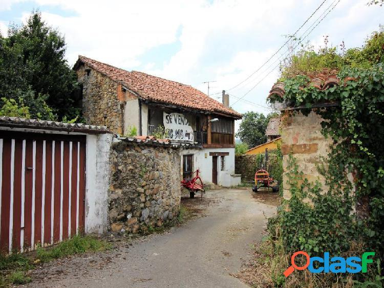 Villasevil. Casa independiente para reformar con coqueto