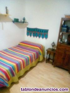 Se alquila habitación barata a cambio de cuidar niño