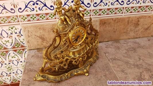Reloj y candelabros bronce