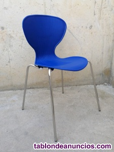 Silla apilable color azul