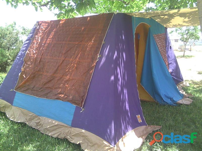 Tienda de campaña hca 4 plazas más 2 sacos de dormir.