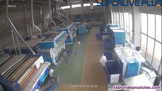Peones chicas lavandería industrial