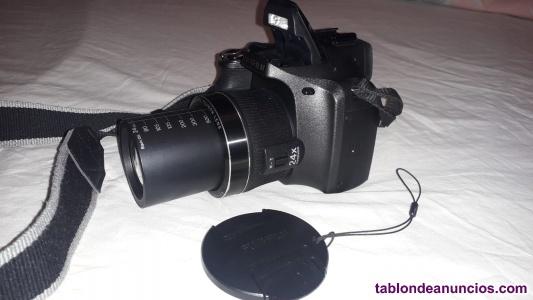 Se vende cámara de fotos digital semi reflex, finepix sl240